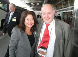 Vicky with Mr. Derek McMinn (Inventor of the BHR device) at AAOS 2008